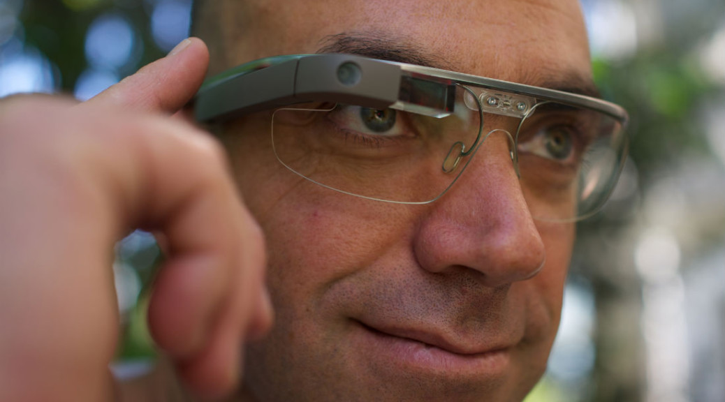 Google Glass - Amazon launches wearable technology store