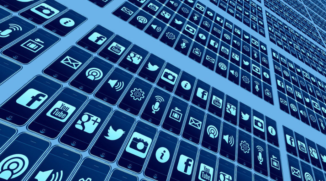 Social media use in the logistics and supply chain industries. Pixabay