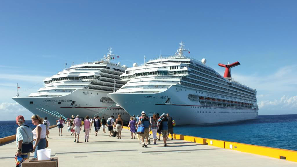Carnival Corp announces new CPO